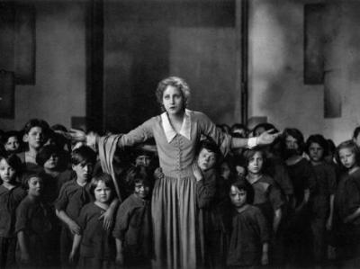 Maria and the Children -- Metropolis